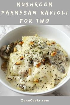 Mushroom Parmesan Ravioli is easy and quick to prepare, ready in just 35 minutes. Ravioli pasta is smothered in a creamy, savory, Parmesan cheese and basil sauce mixed with buttery mushrooms and topped with toasted pine nuts. You may never use store bough Italian Dishes, Italian Recipes, Easy Pasta Recipes, Easy Meals, Gourmet Recipes, Cooking Recipes, Stuffed Mushrooms, Stuffed Peppers, Pasta Recipes