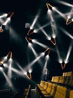 Hong-Kong based design studio One Plus Partnership Limited created the interior of the new Shanghai Omnijoi International Cinema. Cinema Theatre, Theatre Design, Movie Theater, Lampe Tube, Led Lampe, Architecture Restaurant, Interior Architecture, Luxury Interior, Interior Lighting