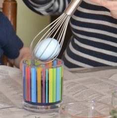 #Jewelives#using a silicone whisk to dye eggs with kids-success! So easy and no dropping the egg!  http://www.globalsources.com/jewelives.co   may@jewelives.com
