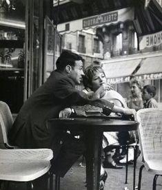 Robert Doisneau, Couple à la terrasse d'un café, Paris, 1950