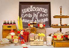 So nice! I like the nostalgic style of this buffet!