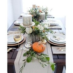 Looking for ideas to dress up your Thanksgiving table? We found so many inspiration Thanksgiving Centerpieces ideas for your table. House Of Turquoise, Thanksgiving Centerpieces, Diy Thanksgiving, Thanksgiving Celebration, Natural Living, Centerpiece Decorations, Hanging Centerpiece, Winter Decorations, Table Centerpieces