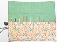 Make It: Crochet Hook Roll - Free Pattern & Tutorial #crochet #sewing