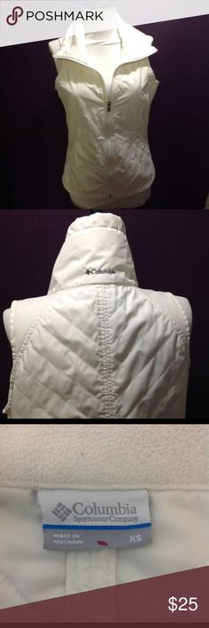 """Columbia XS winter white quilted vest 36"""" bust. Excellent clean condition freshly laundered ( My Item m2) Columbia Jackets & Coats Vests"""