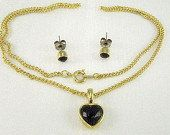 #Vintage Garnet rhinestone heart pendant necklace and garnet rhinestone pierced earrings in a gold tone setting. Never worn, with the original box. The garnet rhinestone hea... #vintage #jewelry #wedding #teamlove #wlv #ezvintagefinds #teamvintageusa