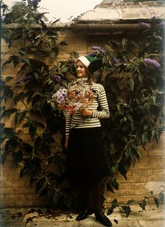Girl with a bunch of flowers 1913