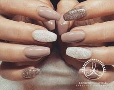 Nails & Beauty 66 trendige Nägel Schellack Ideen Winter Seventies hairstyle – Do you Have it? Halloween Nail Colors, Halloween Nails, Trendy Nails, Cute Nails, Hair And Nails, My Nails, Cream Nails, Powder Nails, Nail Decorations