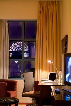 Flygstolen.se, Kampanj Antwerpen Belgium, Curtains, Home Decor, Blinds, Decoration Home, Room Decor, Draping, Home Interior Design, Picture Window Treatments