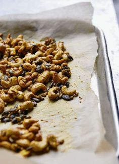 Sweet and Spicy Seeds & Nuts | Vegan Snack Recipe Vegan Snacks, Easy Snacks, Healthy Snacks, Snack Recipes, Palestinian Food, Spiced Nuts, Sweet And Spicy, Tray Bakes, Sweet Treats