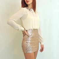 Secretary Sparkler Dress in Ivory and Gold. Love this site's dresses! Gold Sequin Skirt, Sequin Dress, Sparkly Skirt, Chic Outfits, Dress Outfits, Fashion Outfits, Inspired Outfits, Skirt Fashion, Chic Dress