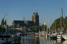 https://flic.kr/p/N1cvZL   A Classic one, Nieuwe Haven, Dordrecht   Met de stadsvlag. Dat dan wel!  nl.wikipedia.org/wiki/Dordrecht