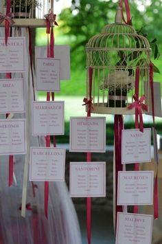 accrochés à des rubans Wedding Menu Cards, Wedding Pics, Wedding Trends, Diy Wedding, Wedding Planner, Dream Wedding, Wedding Day, Letterpress Wedding Invitations, Wedding Stationary