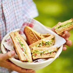 Das Bacon-Lettuce-Tomtoe-Sandwich ist ein Klassiker der amerikanischen Diner-Kultur. Hier wird das vegetarische Lettuce-Egg-Tomtoe-Sandwich daraus.