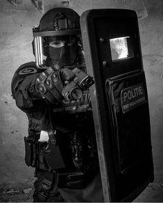 "DSI // amazing photo from @robertroozenbeek #dutchpatriot __________________________________________ My backup @sniper_addict My snapchat ""dutchpatriot"""
