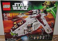 LEGO 75021 Star Wars Republic Gunship No Mini-Figs Includes Box and Instructions Lego Star Wars, Star Trek, Star Wars Episode 2, Republic Gunship, Battle Droid, Lego War, Buy Lego, Lego News, Lego Instructions