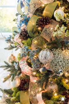 Pretty and unique Christmas tree ideas and themes- How to decorate a Christmas Tree with Ribbon and all the trimmings- in depth tutorial from start to finish on this meadow/woodland Christmas tree for the holidays!