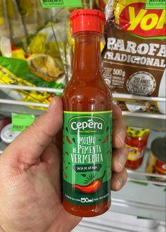 Cepéra Molho de Pîmenta Vermelha Salsa, Hot Sauce Bottles, Stuffed Peppers, Food, Red Pepper Sauce, Gravy, Salsa Music, Restaurant Salsa, Stuffed Pepper