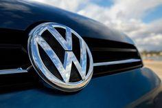 """VW a décidé de plafonner la rémunération de ses hauts dirigeants. Ça sera 10 millions d'euros maximum pour le président du directoire et 5.5 millions d""""euros par personne pour les autres dirigeants"""