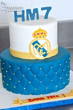 Real Madrid Sports Cakes | Patisserie Tillemont | Montreal #soccer #realmadrid Sports Birthday, Boy Birthday, Birthday Cakes, Birthday Parties, Real Madrid Cake, Sport Cakes, Dessert Table, Montreal, Fondant