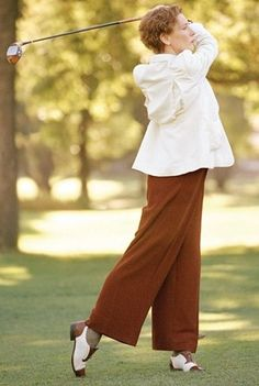 Cate Blanchett as Katherine Hepburn in The Aviator, golfing on her first date with Howard Hughes at the Bel Air Country Club. Cate Blanchett, Sandy Powell, Best Costume Design, Faye Dunaway, Katharine Hepburn, Cool Style, My Style, Classic Style, Vintage Wardrobe