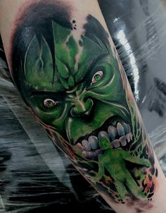 100 Incredible Hulk Tattoos For Men - Gallant Green Design Ideas Hulk Tattoo, Comic Tattoo, Chicano Style Tattoo, Chicano Tattoos, Strange Tattoos, 2pac Tattoos, Small Tattoos, Tattoos For Guys