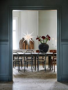 Dining Room Inspiration: 10 Scandinavian Dining Room Ideas You'll Love Dining Room Inspiration, Interior Design Inspiration, Decor Interior Design, Design Ideas, Interior Exterior, Room Interior, Kitchen Interior, Bistro Chairs, Dining Chairs