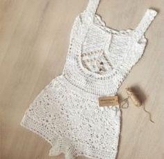 25 Ideas for crochet bikini top pattern dress pants Crochet Romper, Gilet Crochet, Crochet Pants, Crochet Bikini Top, Crochet Clothes, Diy Clothes, Clothes Women, Sewing Clothes, Jumpsuit Pattern