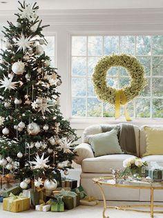 Árvore de Natal decorado com elementos branco | Eu Decoro