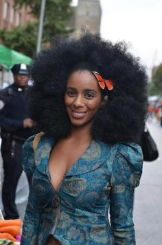 Afro with butterfly adornment Natural Afro Hairstyles, Cool Hairstyles, Dreadlock Hairstyles, Black Hairstyles, Wedding Hairstyles, Curly Hair Styles, Natural Hair Styles, Natural Beauty, Pelo Afro