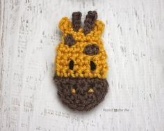 Here is Day 7 of my 26 Days of Crochet Animal Alphabet Appliques! G is for Giraffe Grab your hooks because this little Giraffe is a great gender-neutral embellishment for crochet baby items! Remember that I also have a FREE Crochet Giraffe Hat pattern! Materials: – Worsted weight yarn. I used Lion Brand Vanna's Choice in …