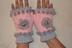 Knitted fingerless gloves, pink and gray fingerless gloves, women, teens,  lace flower  button decoration.