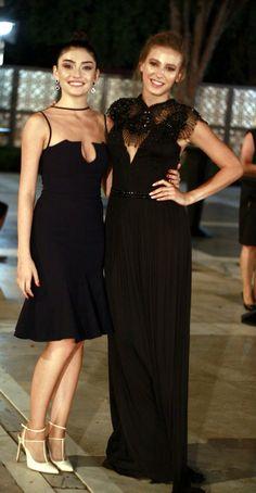 Medcezir:Mira & Eylül Turkish Fashion, Turkish Beauty, Fashion Wear, Fashion Dresses, Fashion Looks, Bridesmaid Dresses, Prom Dresses, Wedding Dresses, Actrices Hollywood