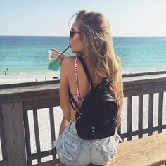 "38.1 k mentions J'aime, 144 commentaires - Aspen Mansfield (@okaspen) sur Instagram : ""Run away with me ☁️"""