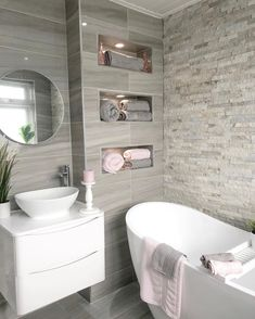 Colorful bathrooms - Home Fashion Trend Small Bathroom Interior, Bathroom Design Luxury, Modern Bathroom Design, Small Bathroom Layout, Beautiful Bathrooms, Light Grey Bathrooms, My New Room, Bathroom Inspiration, Garden Inspiration
