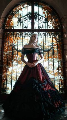 Victorian Gothic, Gothic Beauty, Witches, Queens, Romance, Dark, Nice, Outfit, Dresses