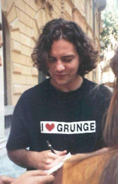 BOYS, GRUNGE, ROSES AND DOORS #eddievedder