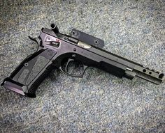 Manufacturer: CZ  Mod. 75 TS Czechmate  Type - Tipo: Pistol  Caliber - Calibre: 9 mm  Capacity - Capacidade: 20 Rounds  Barrel length - Comp.Cano: 5.4  Weight - Peso: 1360 g  Save those thumbs & bucks w/ free shipping on this magloader I purchased mine http://www.amazon.com/shops/raeind  No more leaving the last round out because it is too hard to get in. And you will load them faster and easier, to maximize your shooting enjoyment.