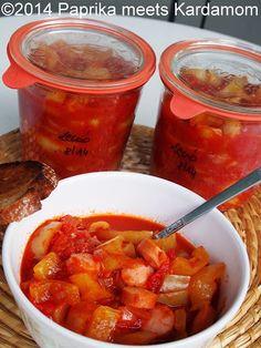 Bekannterweise habe ich ja einen halben ungarischen Gensatz. Und als halbe Ungarin habe ich ein großes Grundbedürfnis nach Paprika und Tomaten, ich für meinen Teil in Form von Letscho/Lecsó. Ich li…
