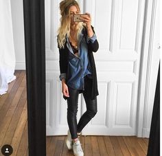 Cute casual outfit in denim and black. Fashion Mode, Look Fashion, Winter Fashion, Womens Fashion, Mode Outfits, Casual Outfits, Fashion Outfits, Business Outfit Damen, Black And White Outfit