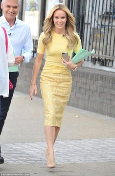 Amanda Holden marks final day on This Morning ahead of Holly Willoughby's return… Amanda Holden, Casual Day Dresses, Sexy Dresses, Classy Dress, Classy Outfits, Skirt Outfits, Dress Skirt, Work Fashion, Fashion Outfits