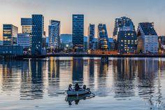 OperaKvarteret Bjørvika, Oslo - Norway OperaKvarteret is a phase of Oslo Fjordcity development (similar to Hamburg's Hafencity). The project involves a. Oslo, Beautiful World, Beautiful Places, Southern Cone, Safari, Midnight Sun, Capital City, Travel Photos, New York Skyline