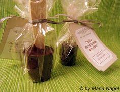 Edit: Das Rezept wurde am 02.11.2011 überarbeitet!    Weiter geht es mit der Vorbereitung der schokoladigen Weihnachtsgeschenke .     Ich h...