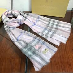 Burberry Clothing, Burberry Outfit, Womens Scarves, Plaid Scarf, Shawl, Cashmere, Gucci, Bags, Clothes