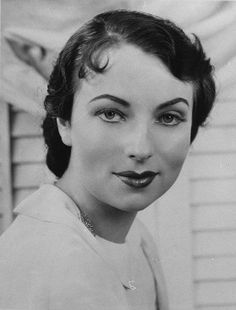 Agnes Moorehead.  Endora from Bewitched