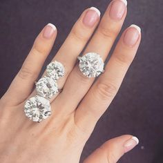 ✨FRIDAY BLING ✨ check out these beauties, both #noblejewels, and yes that is one ring  #sothebysjewels #genevajewels #diamondring #3forthepriceof1