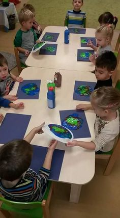Reggio Emilia, Go Green, Crafts For Kids, Recycling, Environment, Earth, Learning, School, Sustainability