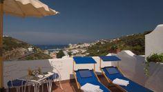 Camera Classic con terrazzo privato con lettini(Hotel Chiaia di Luna ...