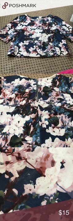 Floral Print Top Polyester and spandex top super cute Forever 21 Tops Tees - Short Sleeve