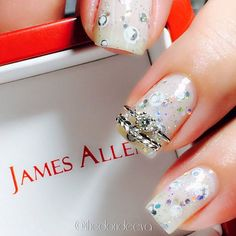 Dimonds Nails : Danettes sweet take on this bridal mani challenge is just a site for sore eyes.