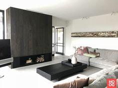 Houtambacht trappen en maatwerk - Project 'zwart-wit' - Hoog ■ Exclusieve woon- en tuin inspiratie. Concrete Floors, Flooring, Cool Stuff, Bed, Furniture, Home Decor, Check, Decoration Home, Stream Bed